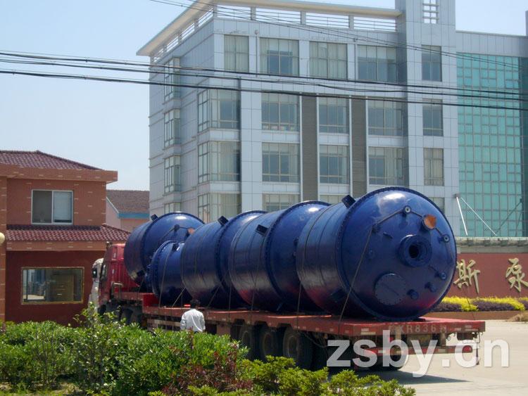 宙斯泵业衬塑容器产品发运